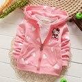 Varejo 2016 new baby girl hoodies casacos hello kitty 0-3age 7 cor cardigan casacos roupas crianças camisolas dos miúdos