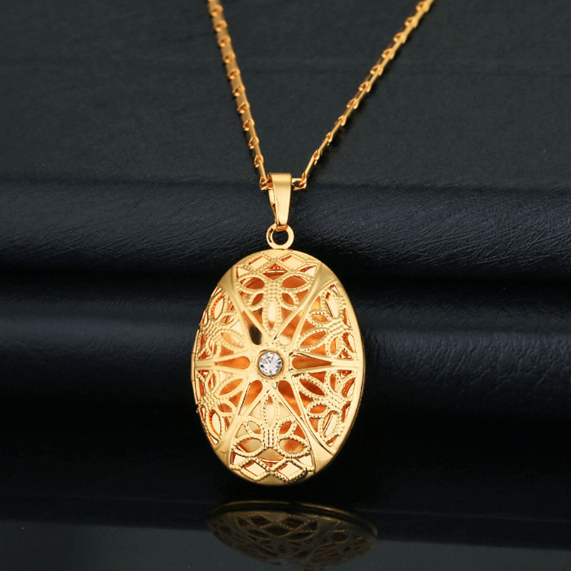 The new Vintage Hollow out Oval Locket Pendant Women/Men Jewelry ...
