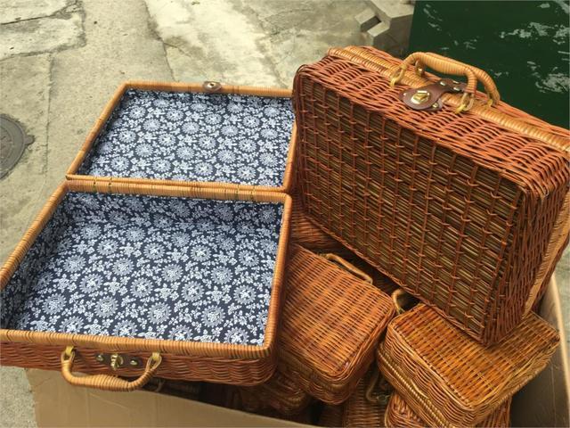 Rattan Box Vintage Suitcase Rattan Props Shot Blue Flower Straw Woven Storage  Box