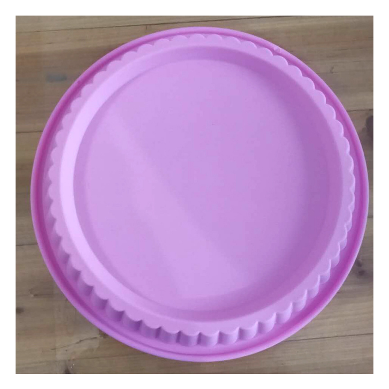 1pcs wavy round silicone cake tray 30cm baking tray pizza baking pan dry cake mold kitchen tool color random delivery