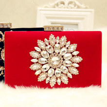 купить Fashion Rhinestone Flower Wedding Evening Bag Banquet Red Black Diamond Velour Bridal Party Dinner Clutch Bag Lady Velvet Purse по цене 1356.03 рублей