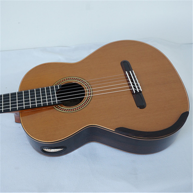 Aiersi Yulong Guo Professional Chamber Nomex Double Top Classical Guitar Model  GC02A 2