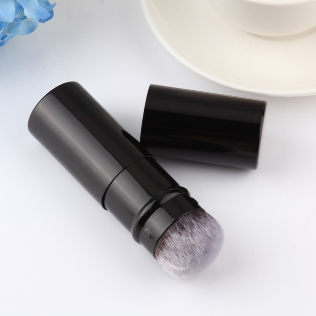 Assorted Colors Retractable Powder Brush