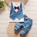 Verão 2016 de moda infantil falso de duas 2 pcs roupas terno do bebê menino T curtas Top + calças outfit set crianças conjuntos de roupas cavalheiro