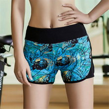 Women Graphic Prints Yoga Shorts