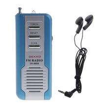 Portátil Mini Auto Rádio da Varredura do FM Receptor Clipe Com Lanterna Fone de Ouvido DK-8808