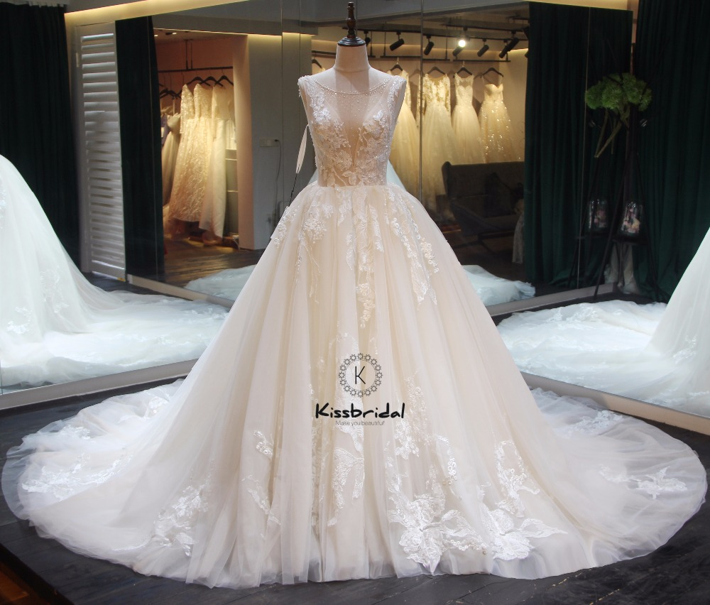 Fashion New Backless Bride Dress Cathedral Train Appliqued Lace Tulle Wedding Dresses 2018 Sleeveless