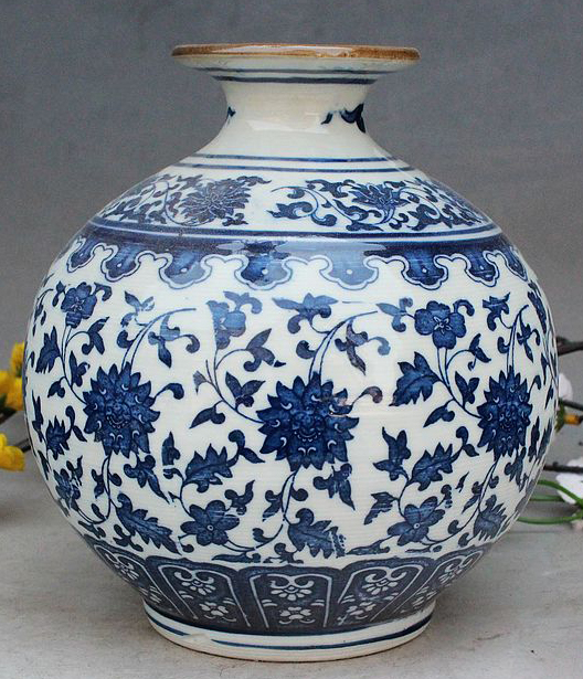 exquisite small round chinese old handwork antique blue and white porcelain flower designs vase