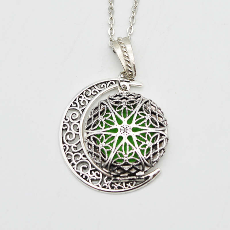 Round Fligree Locket With Moon Charm Pendant Essential Oil Diffuser Necklace Aromatherapy Locket Jewelry For Women