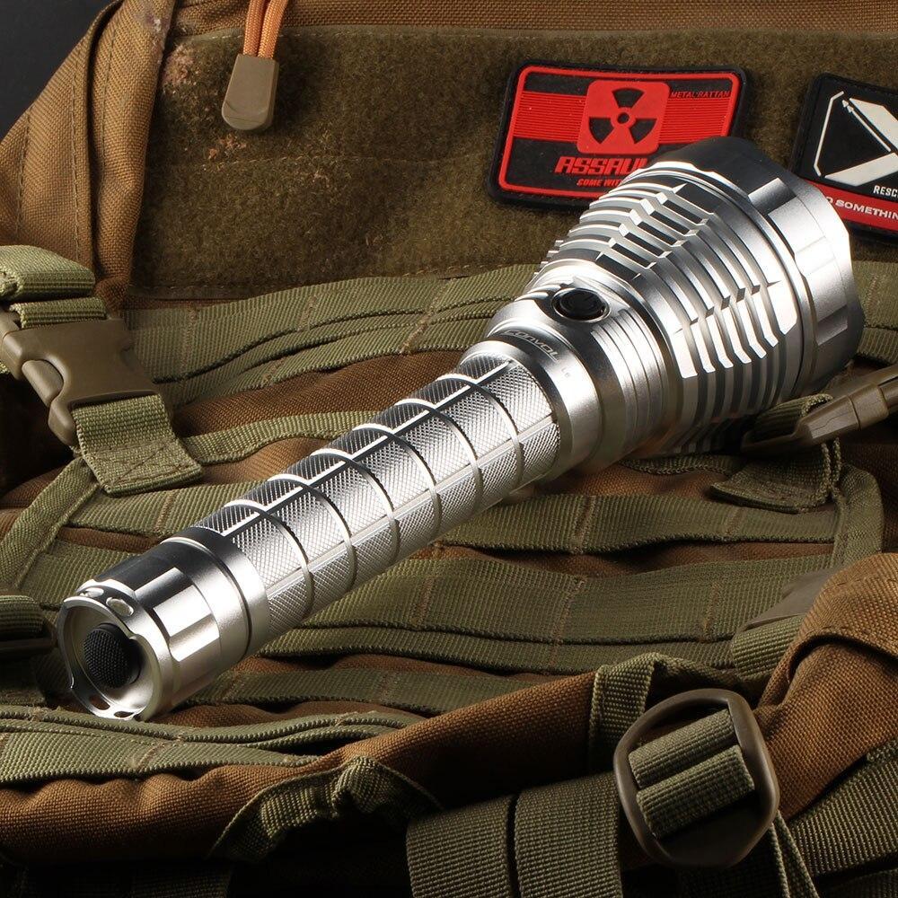 Clair Convoi L6 lampe de poche, xhp70 led à l'intérieur