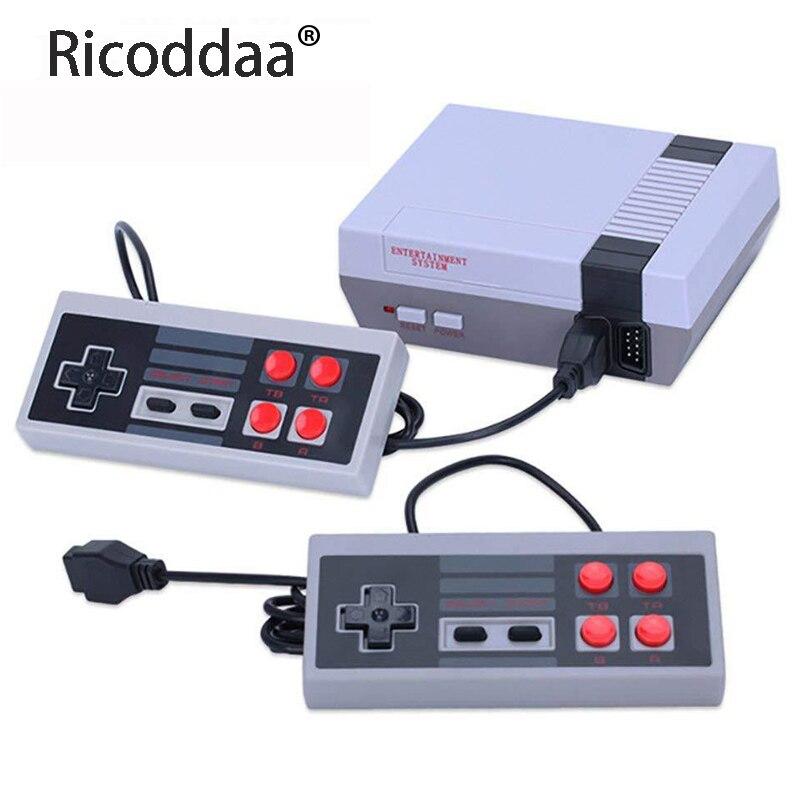 Mini tv handheld família recreação vídeo game console av saída retro built-in 620 jogos clássicos dupla gamepad jogador de jogos