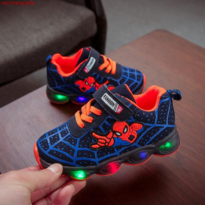 HaoChengJiaDe Fashion Cartoon Spiderman Child Glowing Sneakers LED light Kids Shoe Chaussure Enfant Girls Shoe Babys Boys SportsHaoChengJiaDe Fashion Cartoon Spiderman Child Glowing Sneakers LED light Kids Shoe Chaussure Enfant Girls Shoe Babys Boys Sports