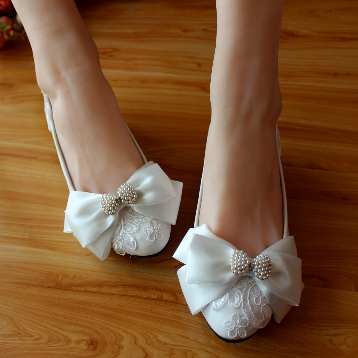 2017 Newest Sweet Womens Bow Wedding Shoes Lace White Pearl Decoration Flat Low Heel Bridal For Women In Flats From On
