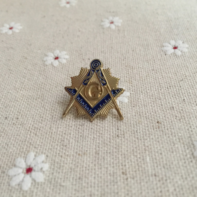 50pcs Wholesale Customized Square and Compass with Sunburst Lapel Pin Blue  Lodge Freemason Masonic Pins Metal Badge and Brooch-in Pins   Badges from  Home ... ce05b7ec03af