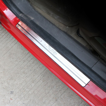 Estilismo para automóviles, umbral de puerta de coche de acero inoxidable, protector de placa de desgaste, alféizar para Ford Fiesta 2009-2014