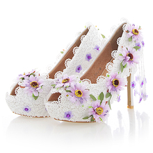 White Lace Flower High Heel Wedding Shoes Fashion Beautiful Women Party Prom Shoes Peep Toe Summer Nightclub Pumps with Tassel