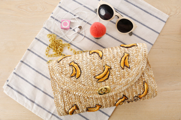 2015 Fruit Banana Stereoscopic Embroidery Summer Beach Straw Bag Cute Straw Bag Cross Body Women Chain Shoulder Bag