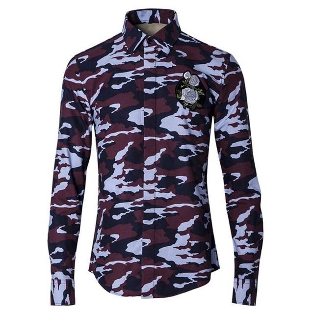 Neue Rote Tarnung Shirts männer mit Langen Ärmeln Stickerei Blumen Shirts  Militärischen Camo Shirts Mens Beiläufige 304df48060