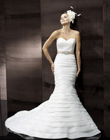 free shipping Tiers of soft organza pleated flattering sweetheart cross pleated ribbon sash medallion bridal gown wedding dress