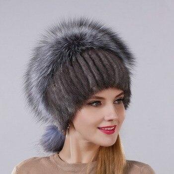 Sombrero de piel de visón Natural Real de moda de nuevo diseño con gorro de  piel de zorro plateado para mujer con cadena colgante en la espalda y bolas  de ... 85c83b454db