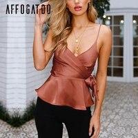 Affogatoo V образным вырезом атласная cami crop top для женщин Регулируемый ремень летняя рубашка Топы корректирующие и блузки для малышек баски sash бе...