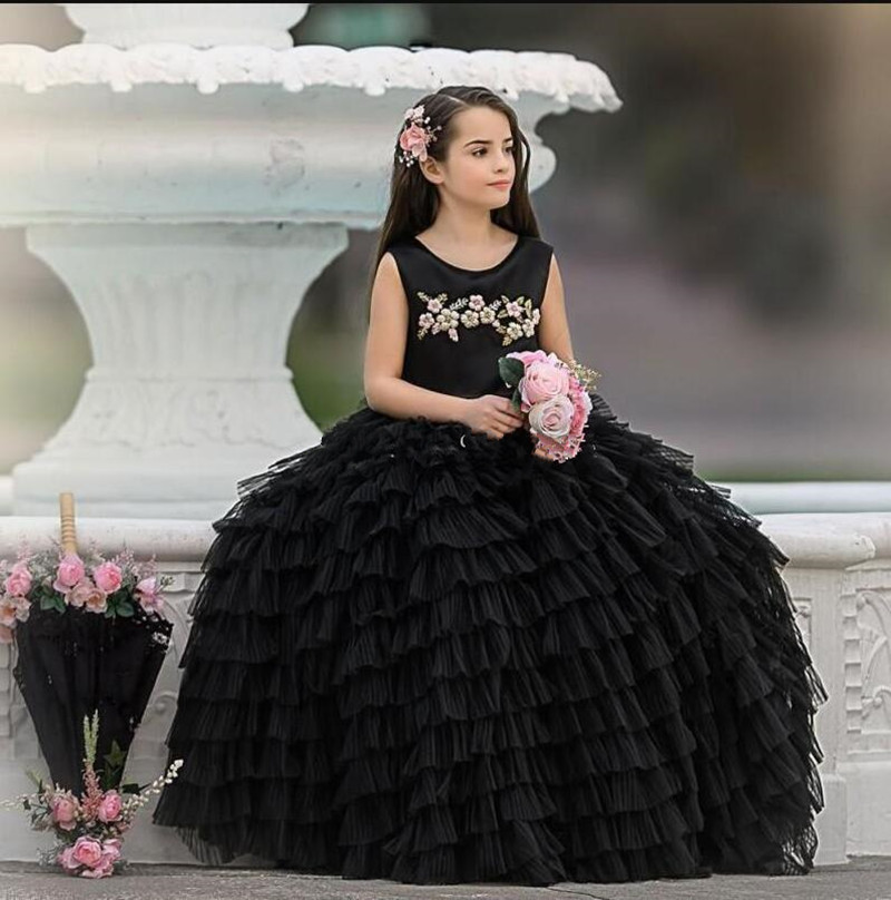 Newest Coming Tiered Black Tulle Princess Dress with 3D Floral Appliques Big Bow Ruffles Fabulous Flower Girl Dress For WeddingNewest Coming Tiered Black Tulle Princess Dress with 3D Floral Appliques Big Bow Ruffles Fabulous Flower Girl Dress For Wedding