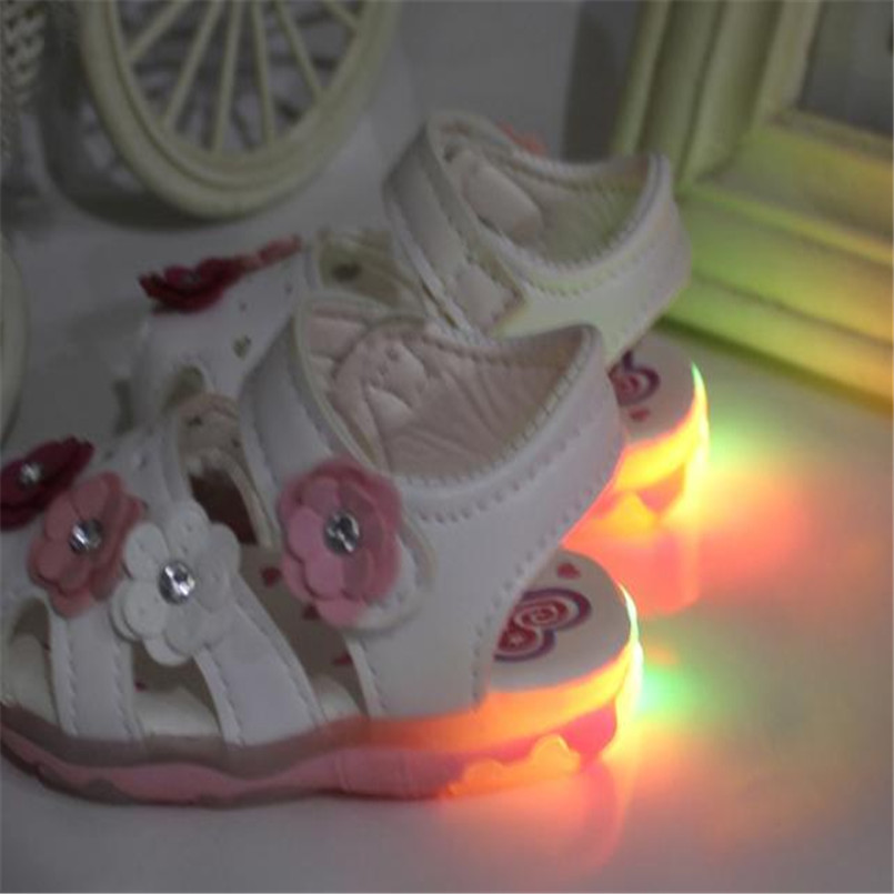 2018 Hot Sale Sandals Toddler New Flowers Girls Sandals High Quality Leather Lighted Soft-Soled Princess Baby Shoes sandalias S