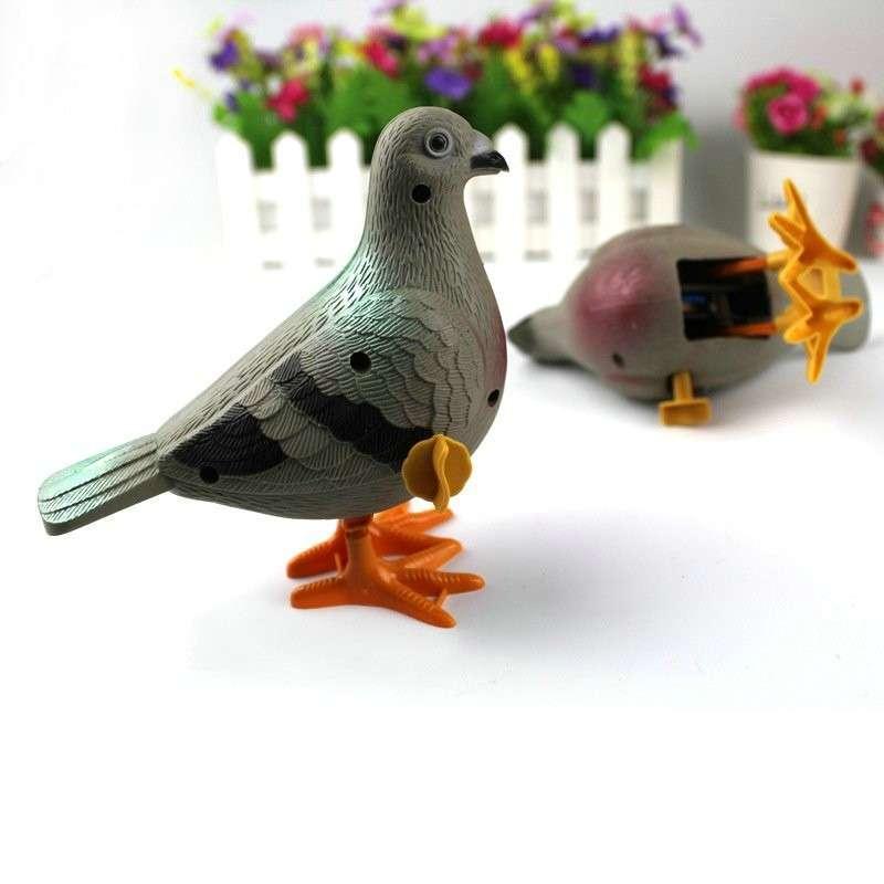 Малко за гълъби Часовник играчки Сладък пъзел деца верига симулация издърпайте назад пластмасови животински модел 2-4 години