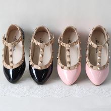2017spring and summer PU leather princess shoes female child sandals cutout child single shoes breathable rivet t shoes