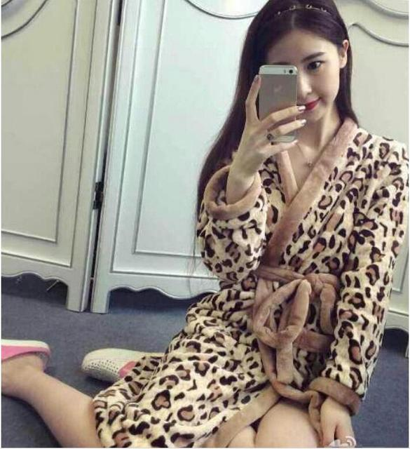 2014 Fall and winter clothes big money and comfortable sexy coral velvet robe bathrobe Women S137