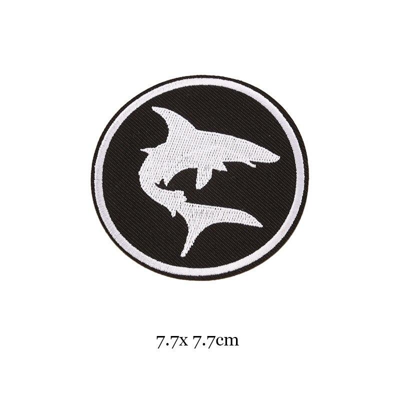 1 шт., черные, белые байкерские нашивки для одежды, железная одежда, аппликация с буквами, Череп, звезда, полосы, вышитая наклейка, круглый значок - Цвет: 33