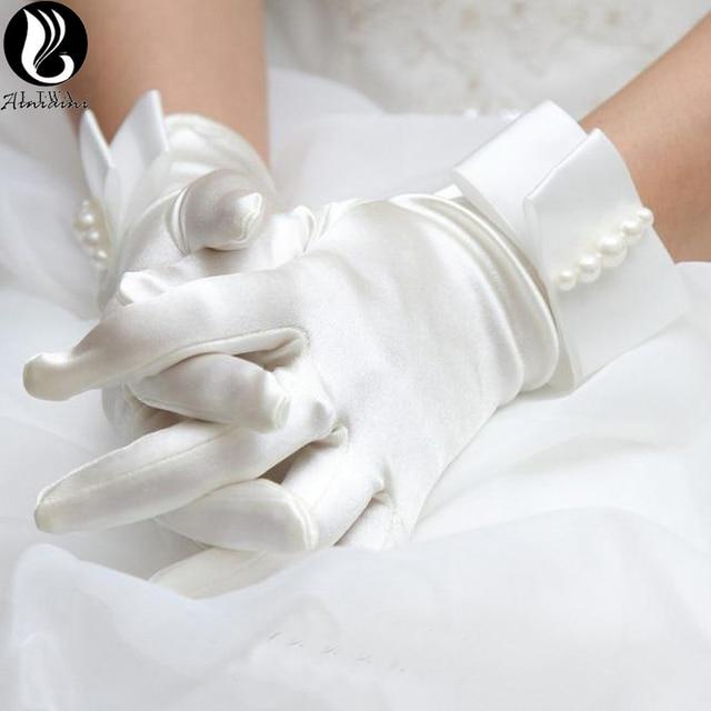 cf218160e282a US $8.48 15% OFF Weiß Beige Perle Kurze Brauthandschuhe Hochzeit Guantes De  Novia Figner Satin Handschuhe Zubehör Brauthandschuhe Hohe Qualität ...