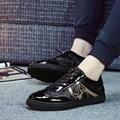2017 Novos Outono e Inverno Dos Homens da Tendência de Sapatos Masculinos Da Moda Sapatos Casuais sapatos Resistentes Ao Desgaste Cor Preta Ata Acima Além de Veludo Homens Sapatos