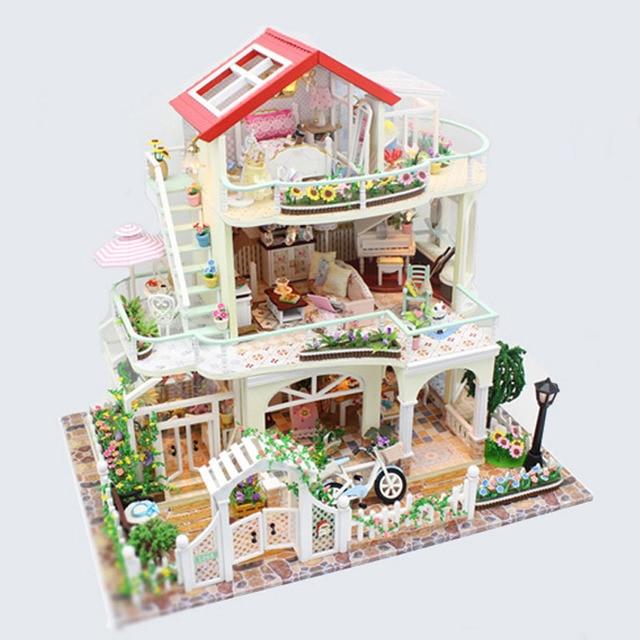 Delightful Holz Garten Villa Haus Handwerk Modell Weihnachten Puzzle Geschenk Für  Kinder DIY Puppenhaus Led Leuchten