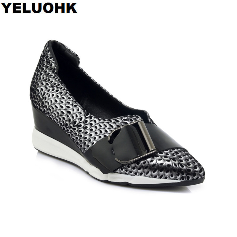 Brand new مشبك حقيقية الجلود أحذية النساء عالية الكعب الأزياء وأشار تو إسفين أحذية امرأة مضخات الانزلاق على أحذية السيدات الخريف-في أحذية نسائية من أحذية على  مجموعة 1