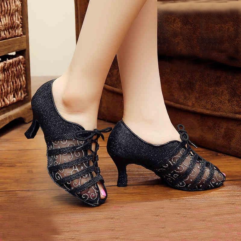 ce7b8846 DILEECHI marca otoño negro encaje Latino baile zapatos mujeres adultos  salón baile zapatos suave suela fiesta botas color blanco en Zapatillas de  baile de ...