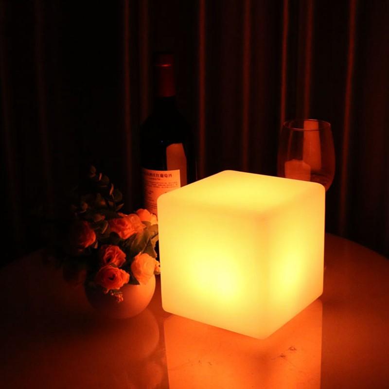 European-simple-LED-desk-lamp-charging-desk-lights-living-room-bedroom-dimming-square-lamp (1)