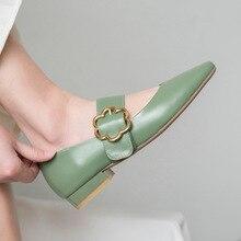 Новинка года; сезон осень; модные простые однотонные туфли на плоской подошве; женские удобные кожаные туфли в стиле ретро с металлическим украшением; повседневные туфли Mary Jane