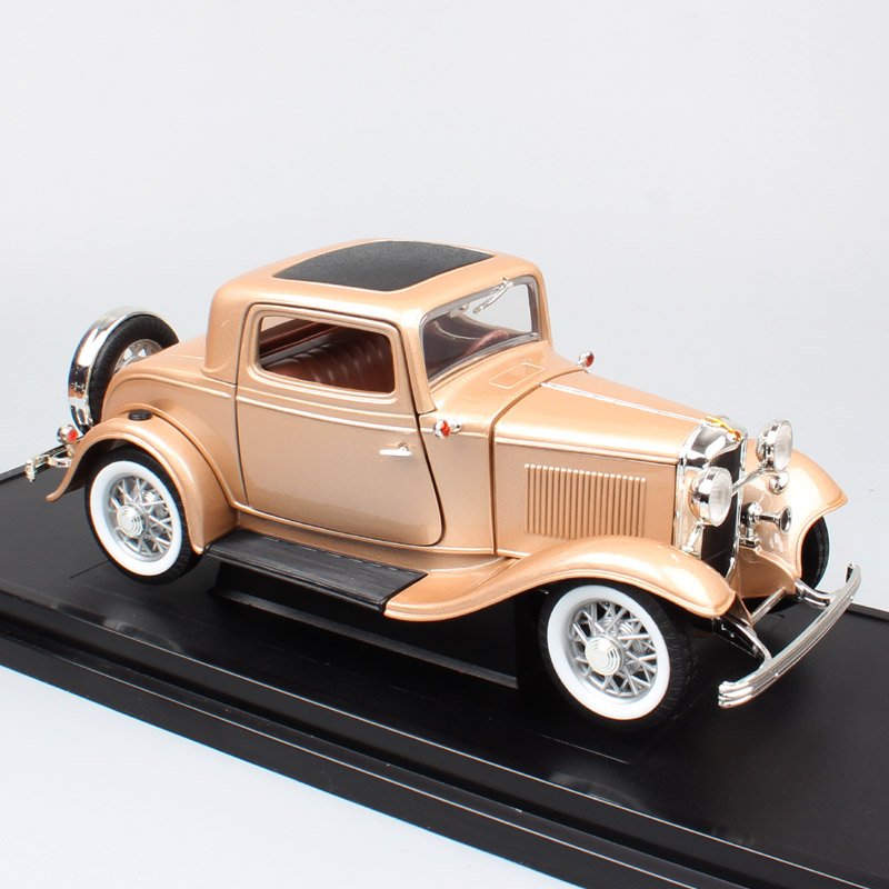 1 18 Large Scale Classic Vintage 1932 Ford 3 Window V8 DELUXE Coupe Gold Diecasts Vehicles
