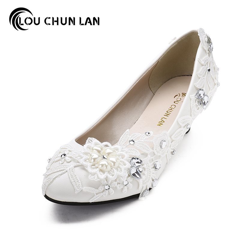 Women Pumps Handmade Wedding Shoes Pearl White Bridesmaid Shoes Lace Flower Shoes med Heel Sweet White Shoes