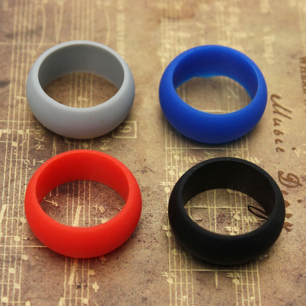 Hot Selling Ring Flexible Hypoallergenic Silicone Rubber 4 Colors Wedding Rings  Engagement Cocktail Soft Touch Men