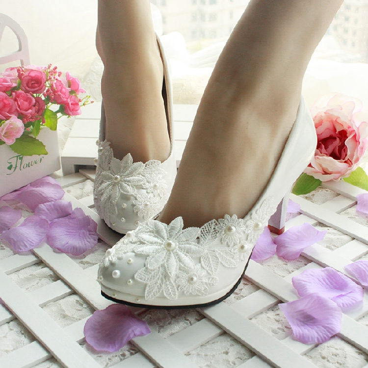 3CM 45CM 85CM 11CM Heel 2017 The Womens Wedding Shoes White Lace Pearl Female Pumps Bride Bridal Party Shoe In From On