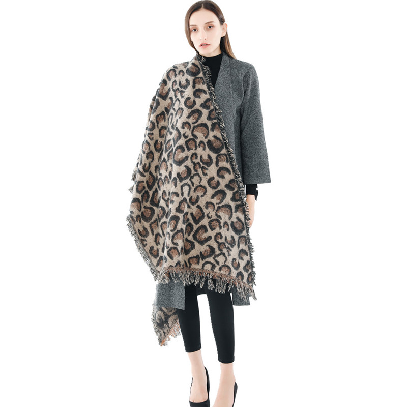 New Leopard Scarf Autumn and Winter Thick Fashion Famous Brand Student Party With Long Style Cashmere Women Tassel Scarf