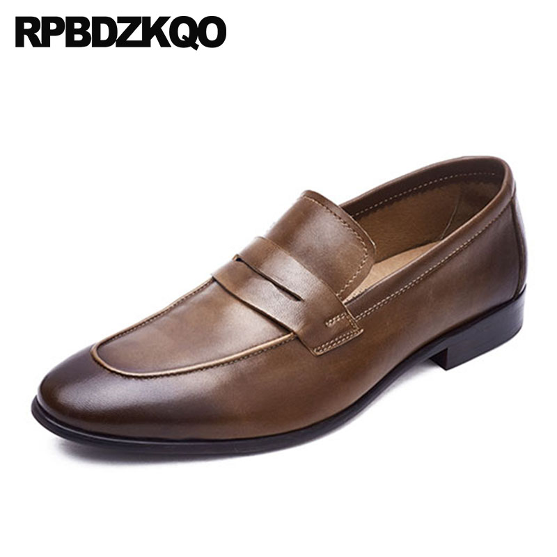 f8fe1f7b1 Real Vestido De Baile de Couro Europeia Genuine Sapatos Clássico Itália  Estilo Britânico Homens Sapatos de Luxo Italiano Marrom Escova Marca  Deslizar Sobre ...