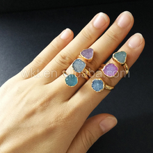 WT R120 wkt bridall은 여성을위한 고품질 골드 컬러 도금 조절 링의 druzy stone ring을 설정합니다.