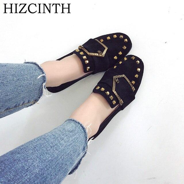 Hizcinth Весна 2018 брендовая модная женская обувь из металла Заклёпки замши с ремешком и пряжкой обувь на плоской подошве женские балетки на плоской подошве Лоферы для женщин