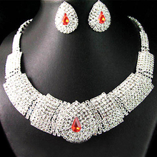 Splendid Valuable Wedding Bridal Crystal Rhinestone Bib Statement Necklace Cute Creative Jewelry Set  52CA