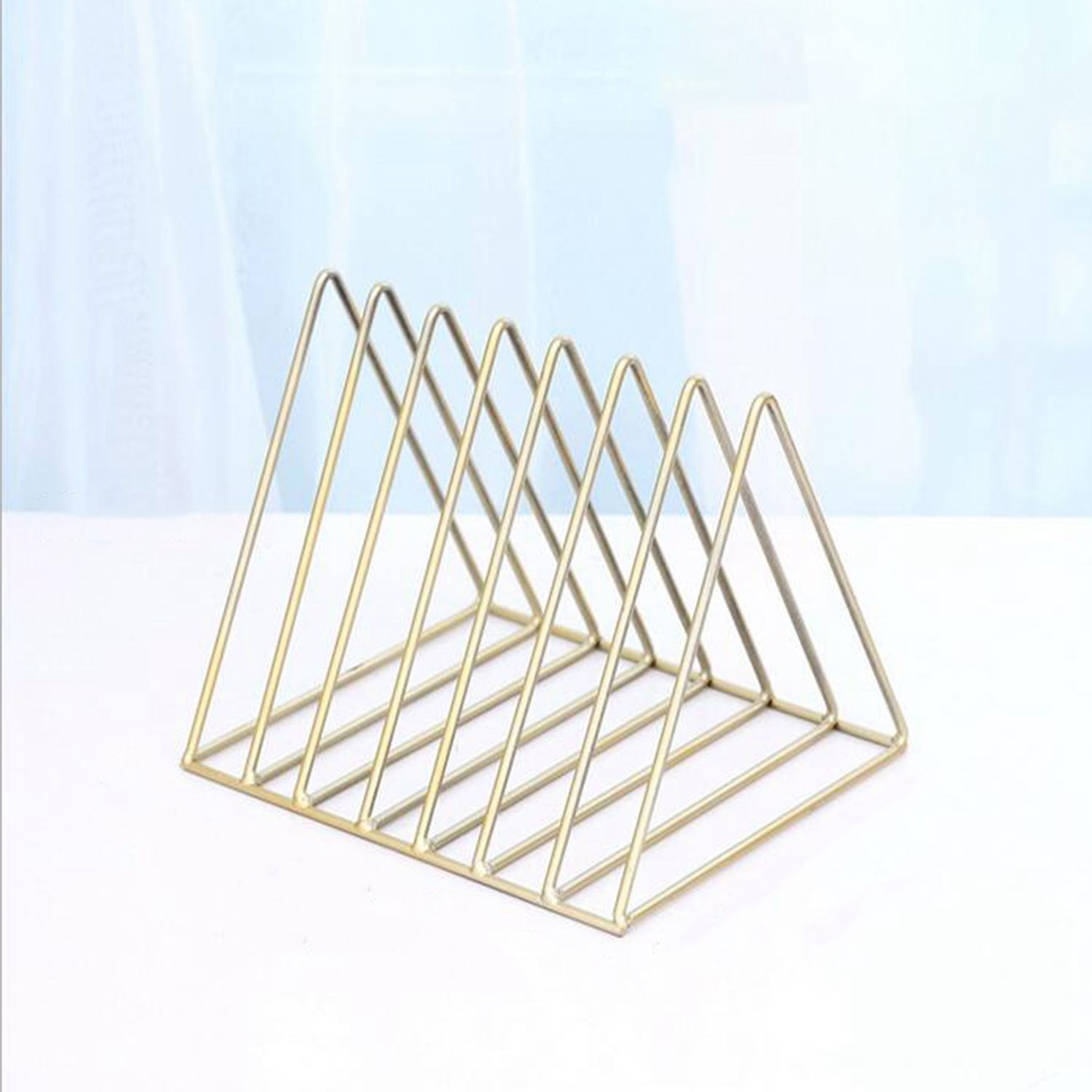 Nordic triangle simple wrought iron shelves desktop storage rack shelf file magazine storage box office rack jewelryNordic triangle simple wrought iron shelves desktop storage rack shelf file magazine storage box office rack jewelry