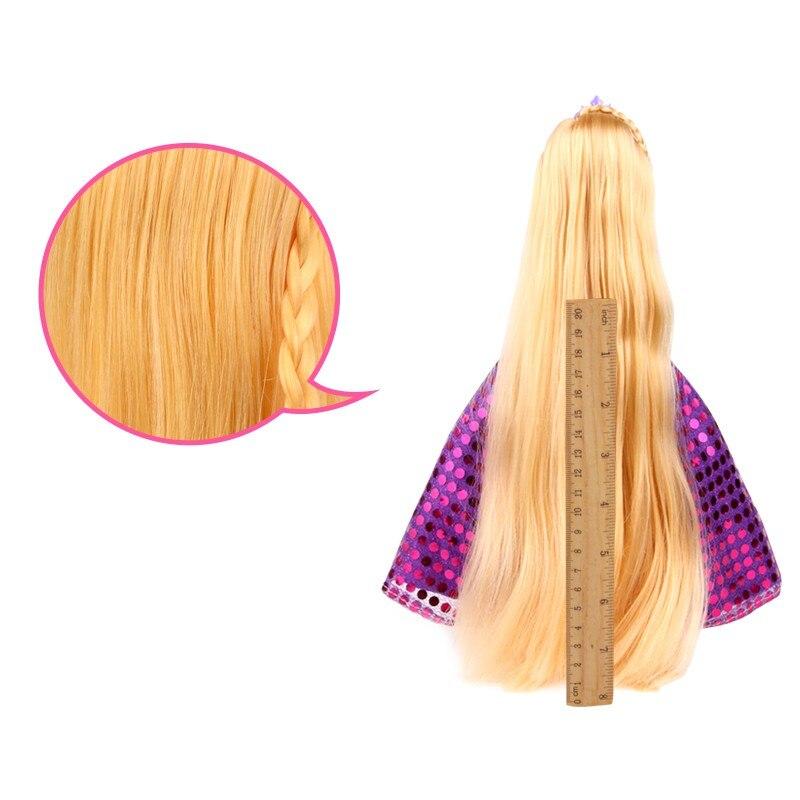 Lillas kleidis pikkade juustega barbie nukk