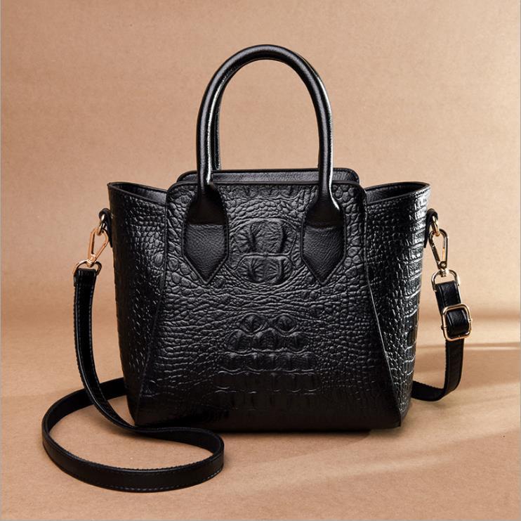 ซื้อ 2019 ใหม่ยุโรปและอเมริกาแฟชั่นจระเข้กระเป๋าถือผู้หญิงขายคุณภาพสูงไหล่กระเป๋า Star fema-ใน กระเป๋าหูหิ้วด้านบน จาก สัมภาระและกระเป๋า บน   2